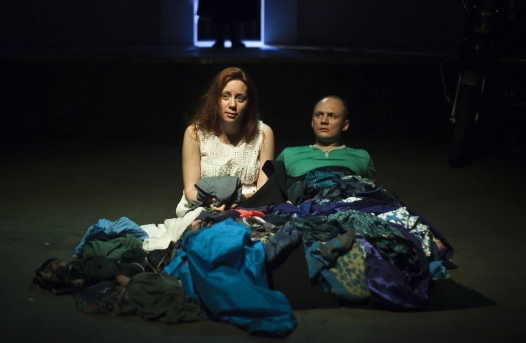 Показы спектакля Алексея Паперного «Август»
